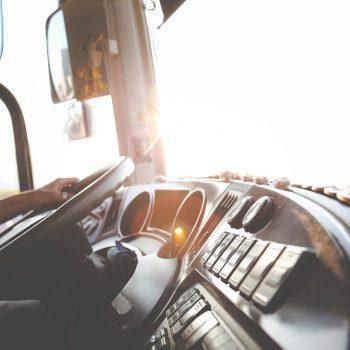Motorinių transporto priemonių kroviniams vežti vairuotojo mokymo programa (45 d. d.) – Šiauliuose